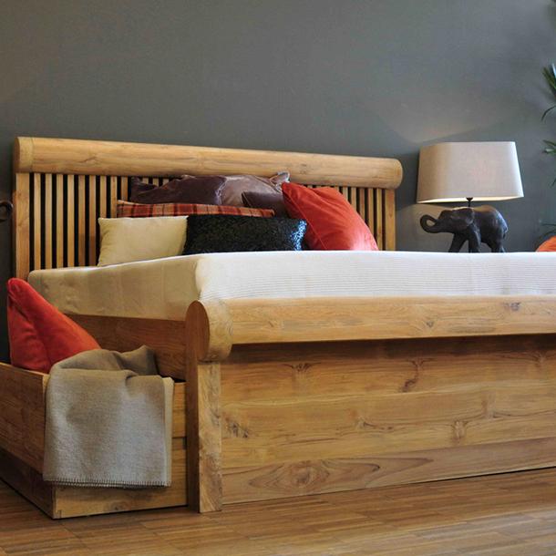 bett giovanni aus teakholz massiv mit schubladen moebel kolonie. Black Bedroom Furniture Sets. Home Design Ideas