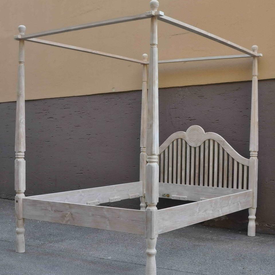 massives himmelbett aman moebel kolonie. Black Bedroom Furniture Sets. Home Design Ideas